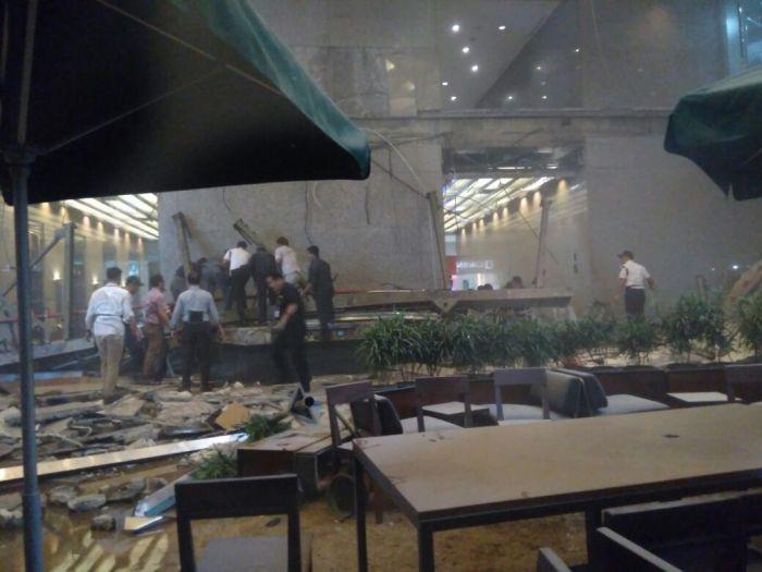 korban-reruntuhan-bei-di-evakuasi-ke-rs-mintoharjo-hqgsnMqUAi