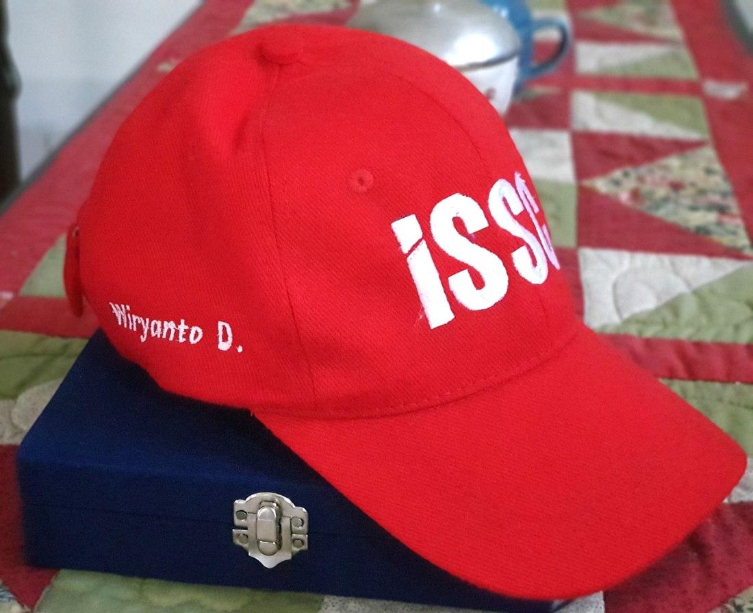 topi-khusus